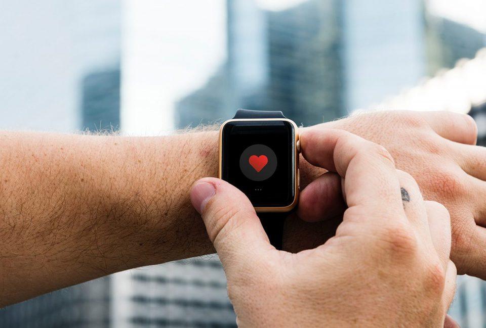 Smart Watch ผู้ช่วยตัวจริงของคนรักสุขภาพ